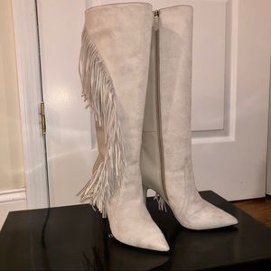 Boutique 9 Suede Boots Sz 7 Gray Leather Fringe